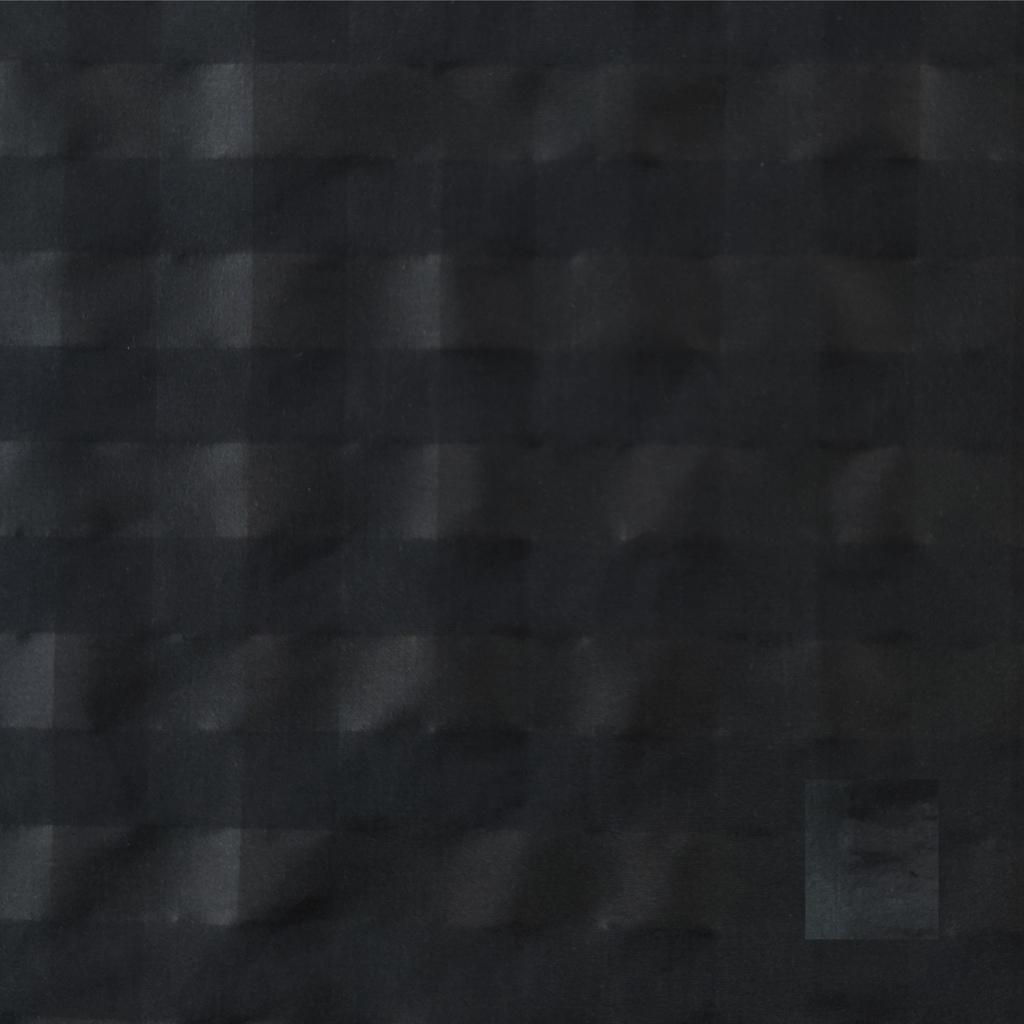SQUARE 28 BLACK 1